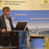 Ombudsmann Karl-Heinz Wolfsturm teilte seine Erfahrungen aus der Flüchtlingserstaufnahme mit.