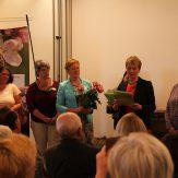 Staatssekretärin Friedlinde Gurr-Hirsch MdL überreichte die Zertifikate an die 34 Absolventinnen aus ganz Baden-Württemberg.