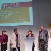 Im Anschluss an die beiden Vortragsbeiträge von Prof. Dr. Claudia Neu und Armin Huttenlocher fand eine Podiumsdiskussion mit LandFrauen und Bundestagsabgeordenten statt.